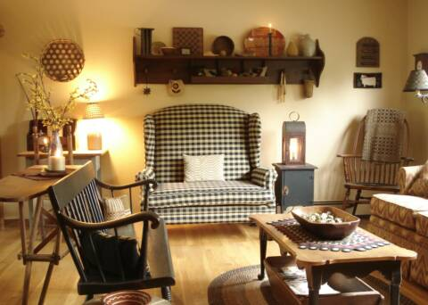 A primitive place member gallery for Colonial living room decorating ideas